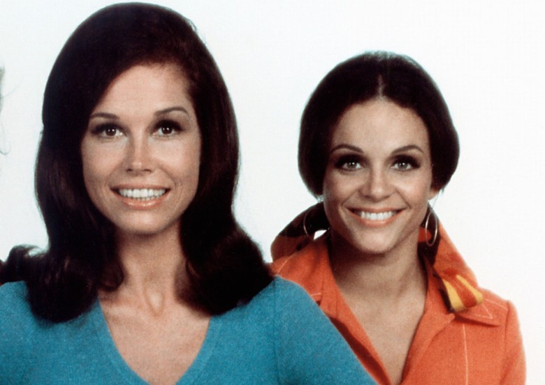No Merchandising. Editorial Use Only. No Book Cover Usage. Mandatory Credit: Photo by CBS-TV/Kobal/REX/Shutterstock (5882342j) Cloris Leachman, Mary Tyler Moore, Valerie Harper The Mary Tyler Moore Show - 1970-1977 CBS-TV USA TV Portrait