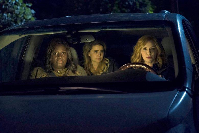 "GOOD GIRLS -- ""Mo Money Mo Problems"" Episode 102 -- Pictured: (l-r) Retta as Ruby Hill, Mae Whitman as Annie Marks, Christina Hendricks as Beth Boland -- (Photo by Steve Dietl/NBC)"