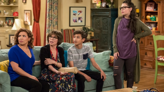 One Day At A Time Stars On Gender Tragedy And A Potential Season 3 Indiewire