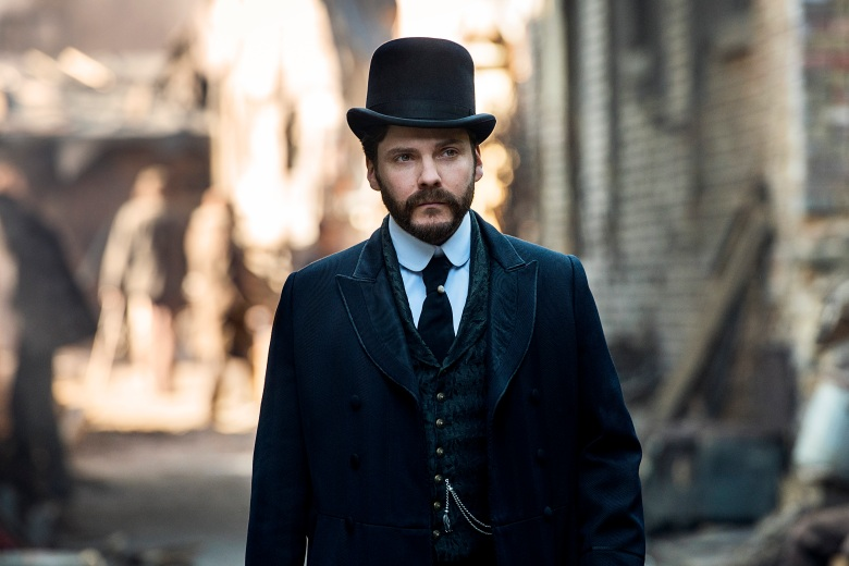 "Daniel Bruhl, ""The Alienist"""