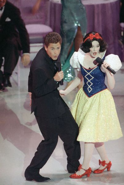 Rob Lowe Duets With Snow White (1989)