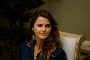 "THE AMERICANS ""Dead Hand"" -- Season 6, Episode 1 (Airs Wednesday, March 28, 10:00 pm/ep) -- Pictured: Keri Russell as Elizabeth Jennings."