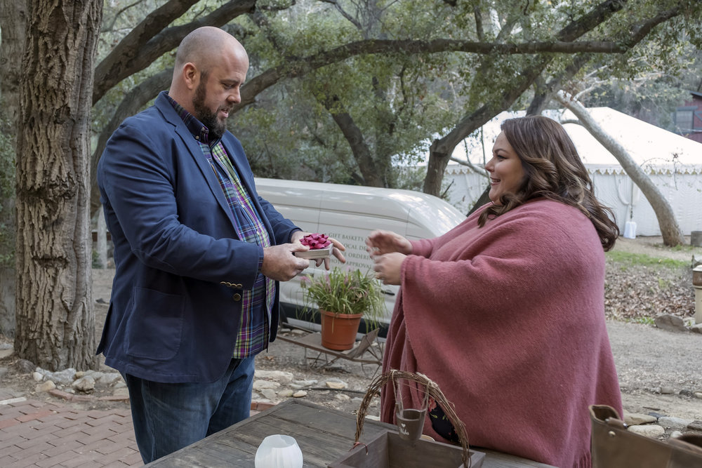 "THIS IS US Finale ""The Wedding"" Episode 218 -- Pictured: (l-r) Chris Sullivan as Toby, Chrissy Metz as Kate -- (Photo by: Ron Batzdorff/NBC)"