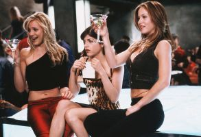 No Merchandising. Editorial Use Only. No Book Cover Usage.Mandatory Credit: Photo by Suzanne Tenner/Columbia/Kobal/REX/Shutterstock (5878466f)Cameron Diaz, Selma Blair, Christina ApplegateThe Sweetest Thing - 2002Director: Roger KumbleColumbiaUSAScene StillComedyAllumeuses !