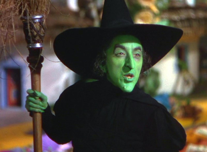 No Merchandising. Editorial Use Only. No Book Cover Usage.Mandatory Credit: Photo by MGM/Kobal/REX/Shutterstock (5886294ex)Margaret HamiltonThe Wizard Of Oz - 1939Director: Victor FlemingMGMUSAScene StillMusicalLe Magicien d'Oz