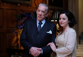 "TRUST -- ""The House of Getty"" -- Episode 1 (Airs Sunday, March 25, 10:00 p.m.) Pictured: (l-r) Donald Sutherland as J. Paul Getty, Sr., Amanda Drew as Belinda. CR: Oliver Upton/FX"