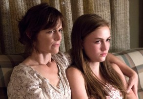 "Sarah Clarke and Madison Lintz, ""Bosch"""