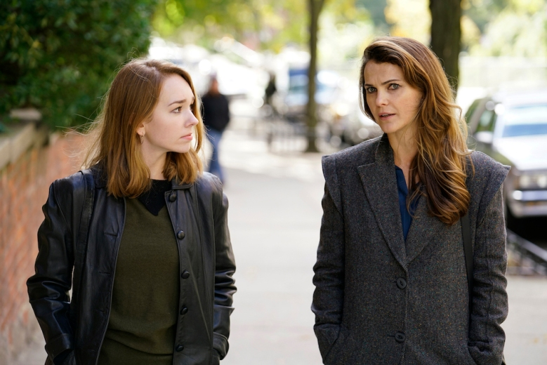 """THE AMERICANS -- """"Tchaikovsky"""" -- Season 6, Episode 2 (Airs Wednesday, April 4, 10:00 pm/ep) -- Pictured: (l-r) Holly Taylor as Paige Jennings, Keri Russell as Elizabeth Jennings. CR: Patrick Harbron/FX"""