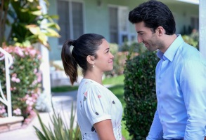 "Gina Rodriguez and Justin Baldoni, ""Jane the Virgin"""