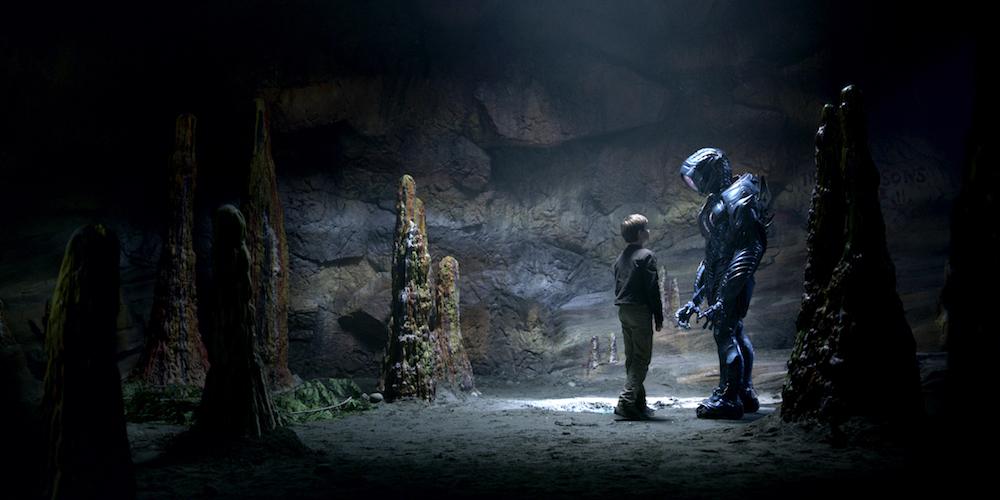 Lost in Space Robot Netflix Season 1