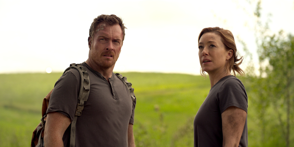 Lost in Space Episode 8 Netflix Toby Stephens, Molly Parker