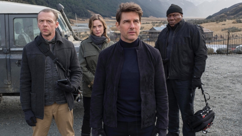 Tom Cruise Touts Death-Defying 'Mission: Impossible' Stunt at CinemaCon