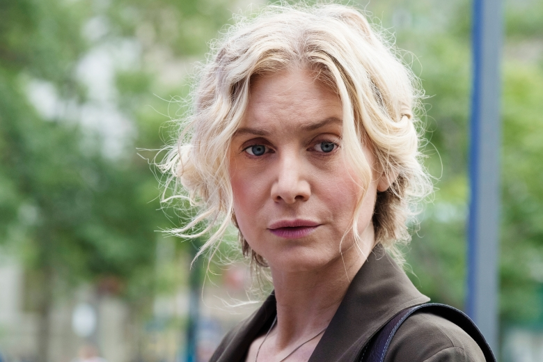 """THE EXPANSE -- """"Iff"""" Episode 302 -- Pictured: Elizabeth Mitchell as Anna Volovodov -- (Photo by: Rafy/Syfy)"""