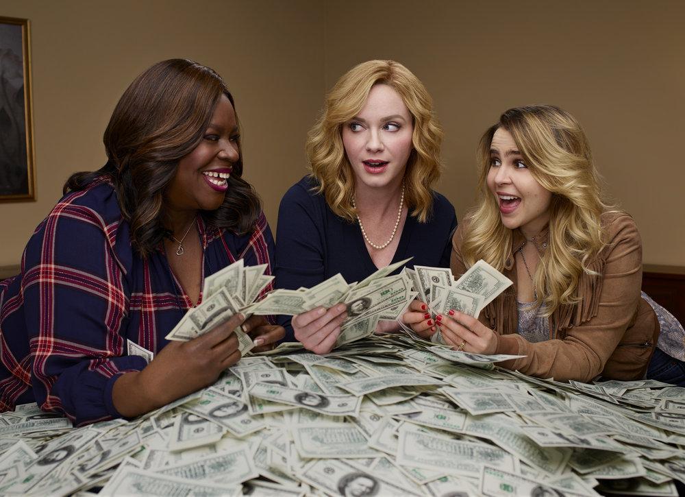 GOOD GIRLS -- Season: 1 -- Pictured: (l-r) Retta as Ruby Hill, Christina Hendricks as Beth Boland, Mae Whitman as Annie Marks -- (Photo by: Danielle Levitt/NBC)