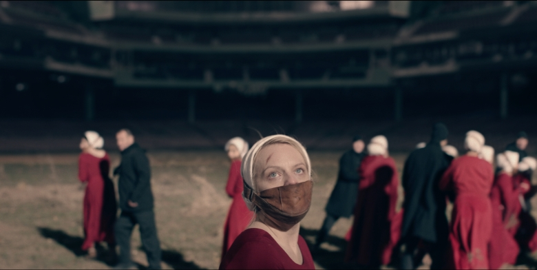 "THE HANDMAID'S TALE -- ""June"" -- Episode 201 -- Offred reckons with the consequences of a dangerous decision while haunted by memories from her past and the violent beginnings of Gilead. Offred (Elisabeth Moss), shown. (Photo by: Take Five/Hulu)"