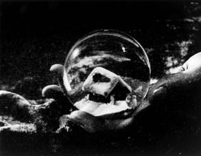 No Merchandising. Editorial Use Only. No Book Cover Usage.Mandatory Credit: Photo by RKO/Kobal/REX/Shutterstock (5886150bt)Citizen Kane (1941)Citizen Kane - 1941Director: Orson WellesRKOUSAScene StillDrama