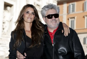 """Pedro Almodovar, Penelope Cruz Spanish actress Penelope Cruz, left, and director Pedro Almodovar pose in front of the Trevi fountain during a photo call for the presentation of the movie """"Broken Embraces"""" in Rome, ItalyItaly Pedro Almodovar, Rome, Italy"""