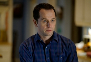 """THE AMERICANS -- """"Urban Transport Planning"""" -- Season 6, Episode 3 (Airs Wednesday, April 11, 10:00 pm/ep) -- Pictured: Matthew Rhys as Philip Jennings. CR: Patrick Harbron/FX"""