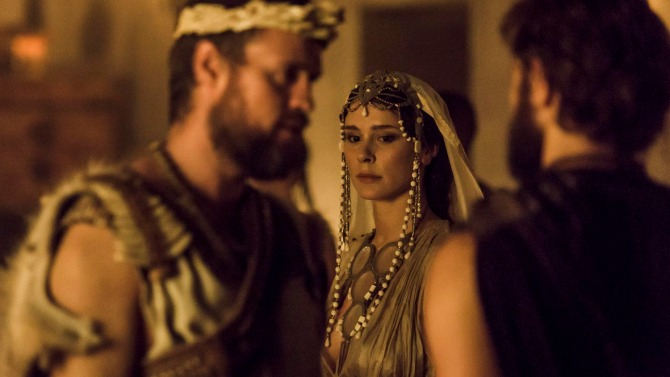 Troy: Fall of a City Review: Netflix Version of Helen and Paris