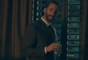 "The Handmaid's Tale  -- ""Faithful"" Episode 105 --  Serena Joy makes Offred a surprising proposition. Offred remembers the unconventional beginnings of her relationship with her husband. Commander Waterford (Joseph Fiennes), shown. (Photo by: George Kraychyk/Hulu)"