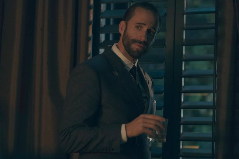 """The Handmaid's Tale  -- """"Faithful"""" Episode 105 --  Serena Joy makes Offred a surprising proposition. Offred remembers the unconventional beginnings of her relationship with her husband. Commander Waterford (Joseph Fiennes), shown. (Photo by: George Kraychyk/Hulu)"""