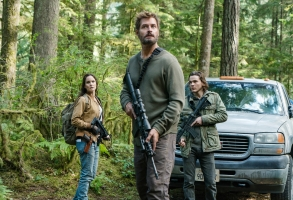 "COLONY -- ""Maquis"" Episode 301 -- Pictured: (l-r) Sarah Wayne Callies as Katie Bowman, Josh Holloway as Will Bowman, Alex Neustaedter as Bram Bowman -- (Photo by: Daniel Power/USA Network)"