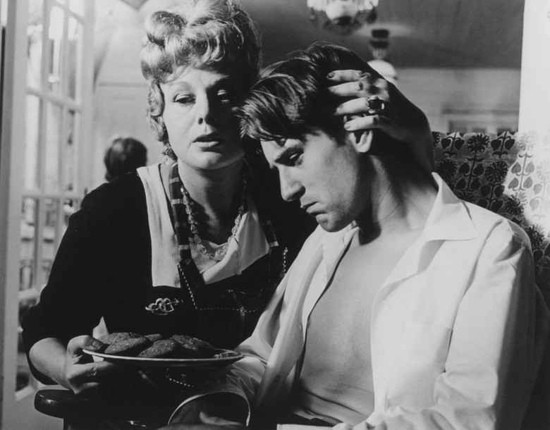 "Shelley Winters and Robert De Niro in Corman 1970 ""Bloody Mama"""