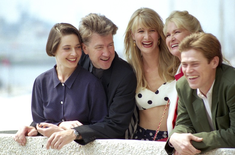1990 Cannes Film Festival - Photocall For 'Wild at Heart' Winner of the Palme D'or Isabella Rossellini David Lynch Laura Dern Diane Ladd and Willem Dafoe1990 Cannes Film Festival - Photocall For 'Wild at Heart' Winner of the Palme D'or