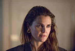 "THE AMERICANS -- ""Harvest"" -- Season 6, Episode 7 (Airs Wednesday, May 9, 10:00 pm/ep) -- Pictured: Keri Russell as Elizabeth Jennings. CR: Eric Liebowitz/FX"