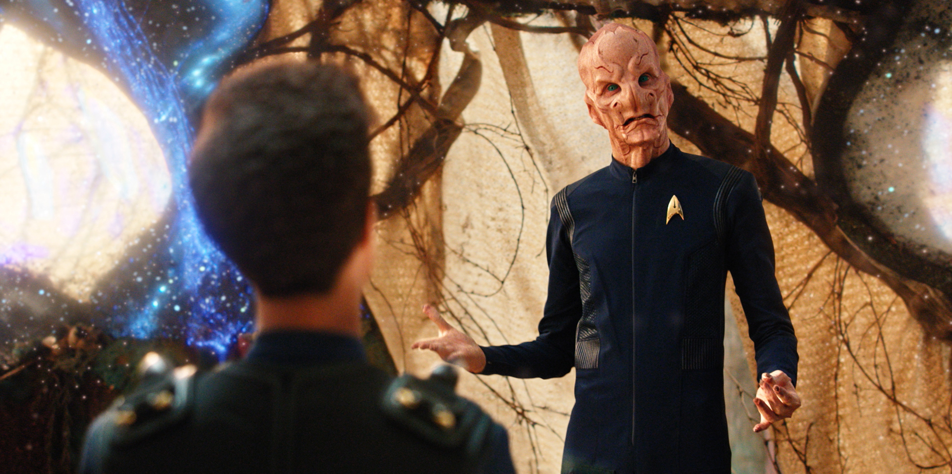 """Si Vis Pacem, Para Bellum"" -- Episode 108 -- Pictured: Doug Jones as Lieutenant Saru of the CBS All Access series STAR TREK: DISCOVERY. Photo Cr: Best Possible Screengrab/CBS © 2017 CBS Interactive. All Rights Reserved."