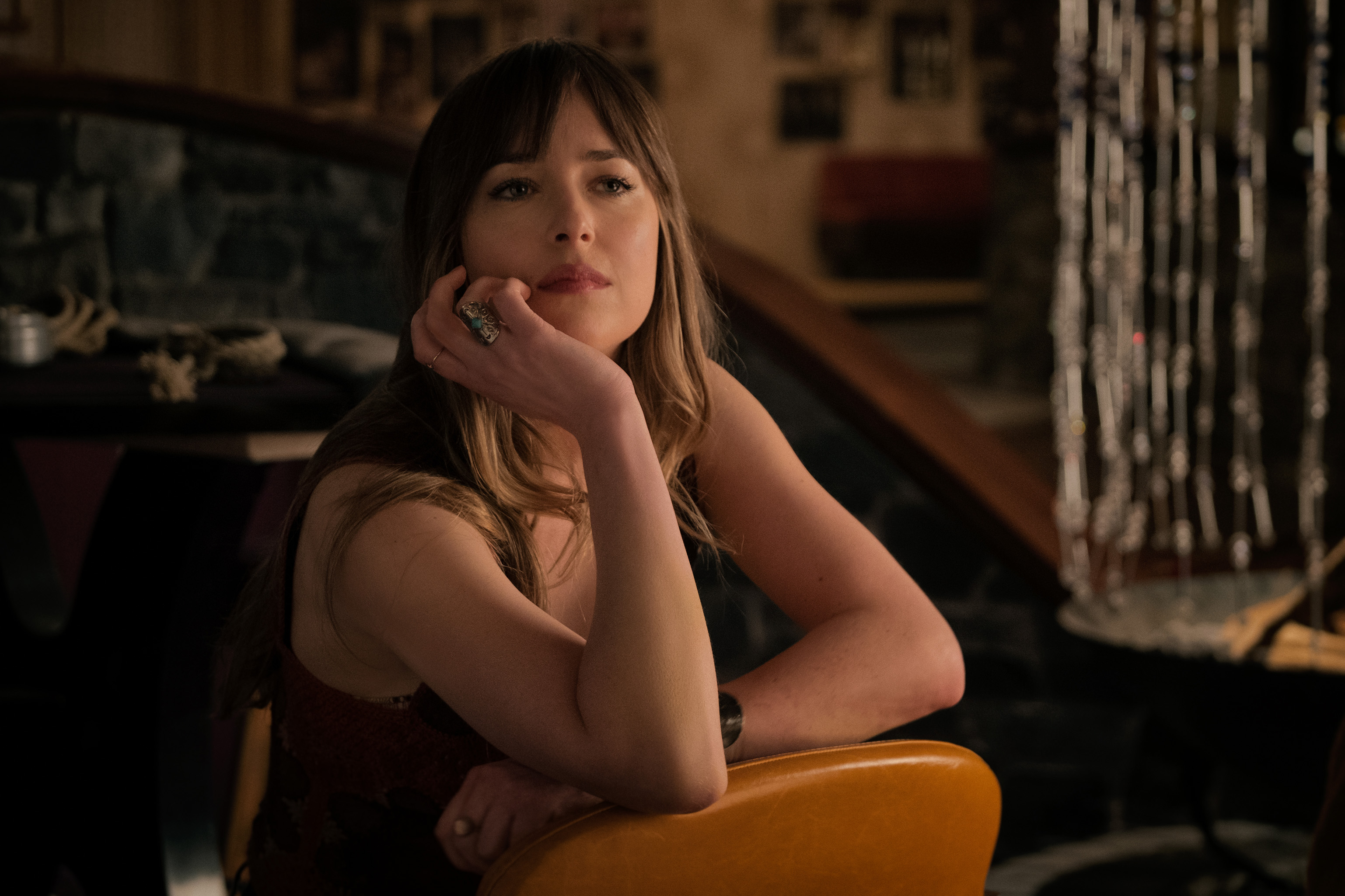 DF-06094_KF_R2 – Dakota Johnson stars in Twentieth Century Fox's BAD TIMES AT THE EL ROYAL. Photo Credit: Kimberley French.