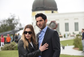 LUCIFER: L-R: Lauren German and Tom Ellis in the ÒBoo Normal/Once Upon a TimeÓ two-hour bonus episode of LUCIFER airing Monday, May 28 (8:00-10:00 PM ET/PT) on FOX. CR: FOX
