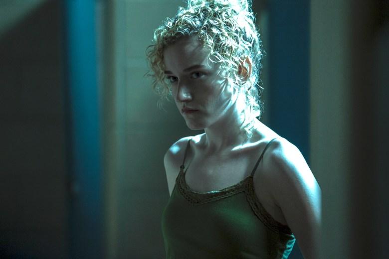 Netflix German Actress Stripping Scene 2