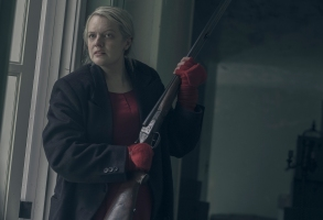 "THE HANDMAID'S TALE -- ""Holly"" -- Episode 211 -- Offred faces a grueling challenge alone as she recalls her life as a mother. Serena Joy and the Commander deal with the fallout of their actions towards Offred. Offred (Elisabeth Moss), shown. (Photo by:George Kraychyk/Hulu)"