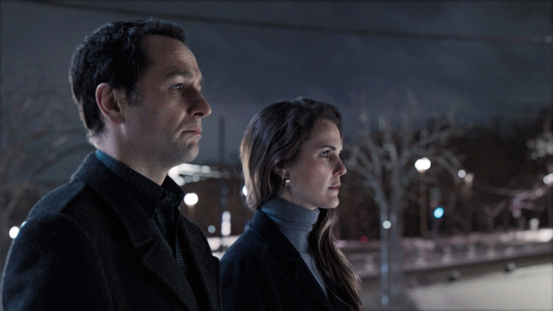 "THE AMERICANS -- ""Start"" -- Season 6, Episode 10 -- (Airs Wednesday, May 30, 10:00 pm/ep) Pictured: (l-r) Matthew Rhys as Philip Jennings, Keri Russell as Elizabeth Jennings. CR: FX"