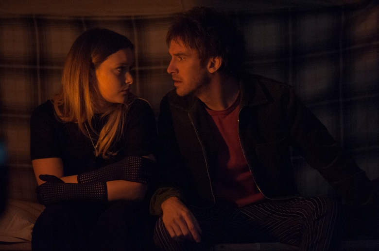"""LEGION -- """"Chapter 16"""" - Season 2, Episode 8 (Airs Tuesday, May 22, 10:00 pm/ep) -- Pictured: Rachel Keller as Syd Barrett, Dan Stevens as David Haller. CR: Suzanne Tenner/FX"""