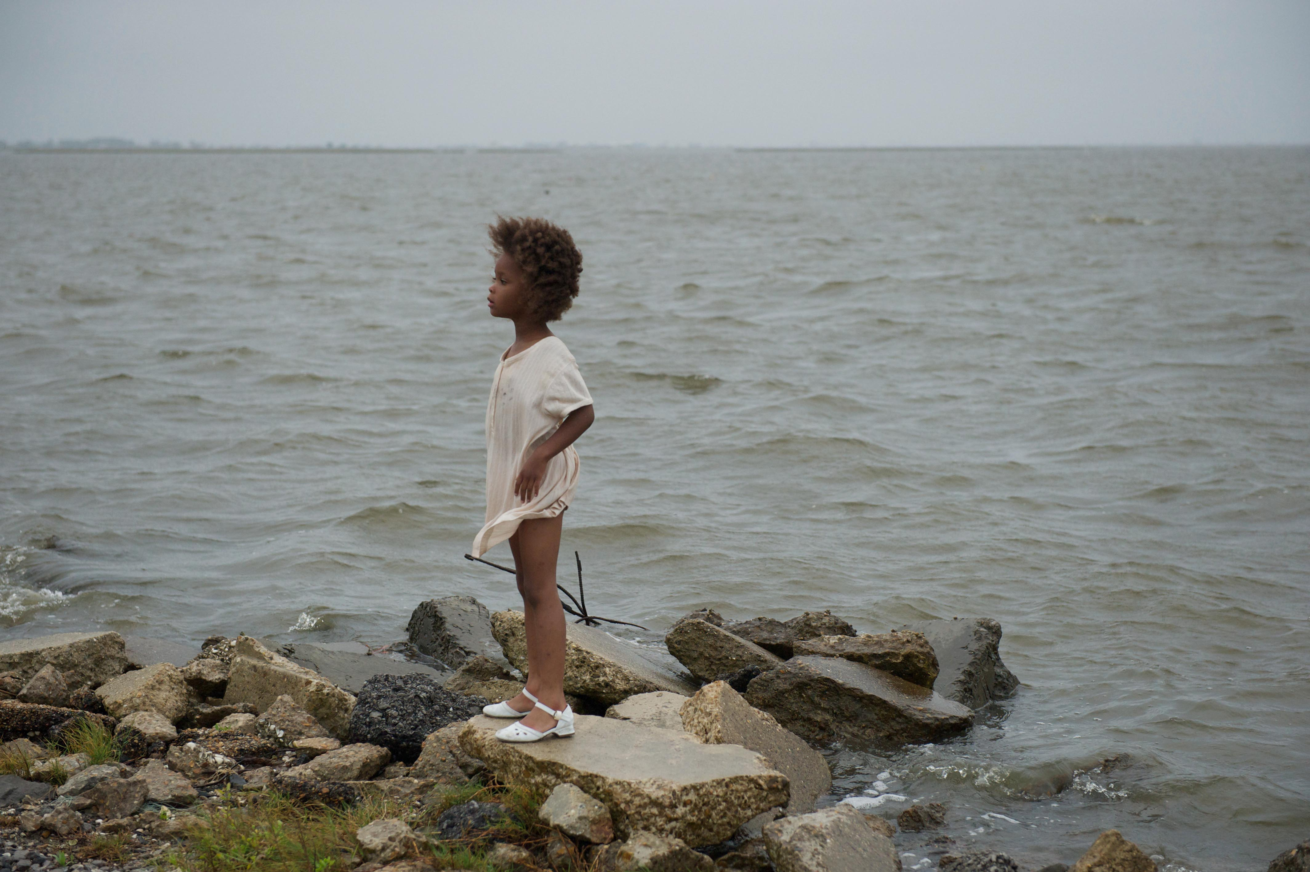 No Merchandising. Editorial Use Only. No Book Cover Usage.Mandatory Credit: Photo by Cinereach/Kobal/REX/Shutterstock (5882244h) Quvenzhane Wallis Beasts Of The Southern Wild - 2012 Director: Benh Zeitlin Cinereach USA Scene Still Les Bêtes du sud sauvage