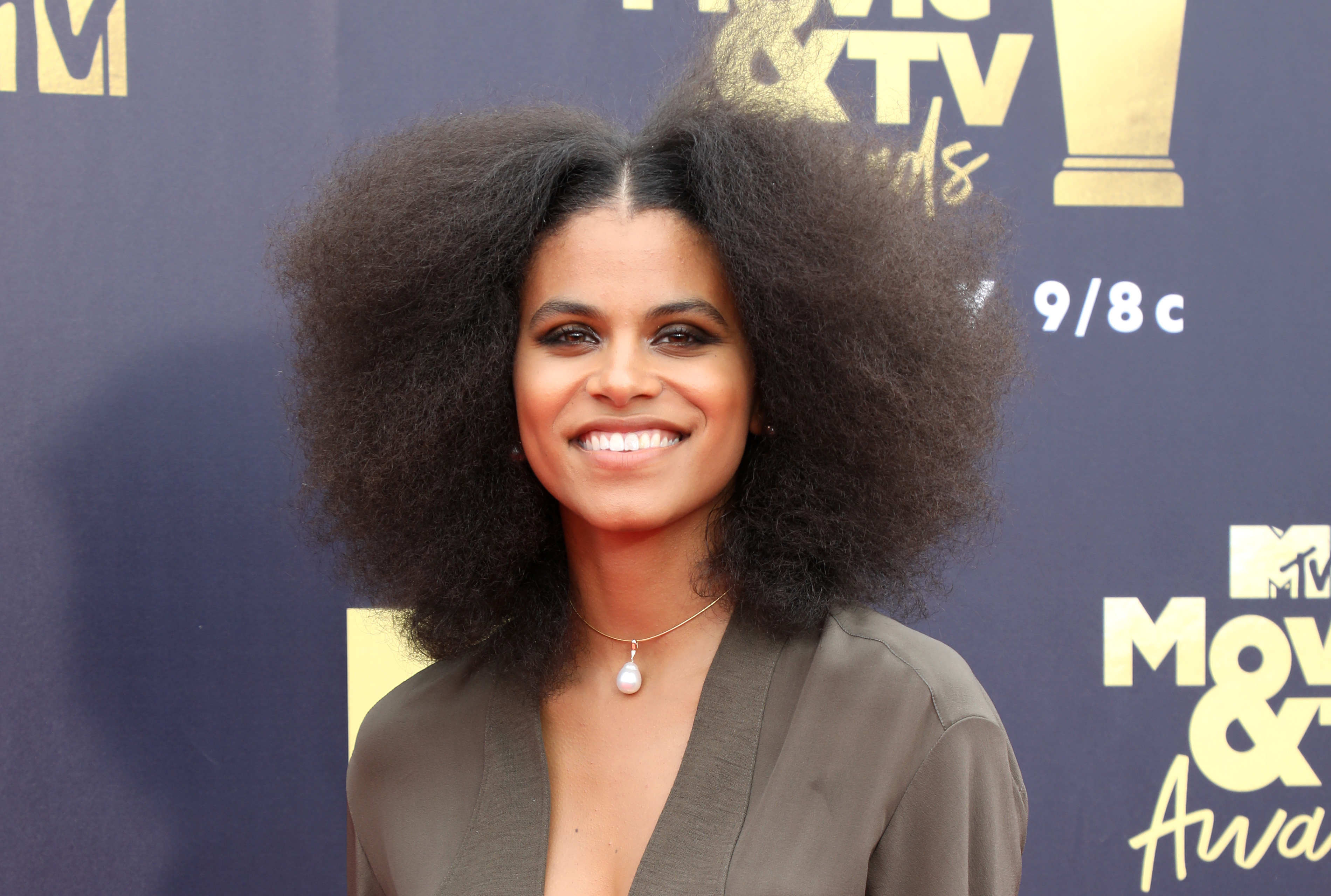 'The Joker': Todd Phillips Offers First Look at Zazie Beetz in Character as Sophie Dumond