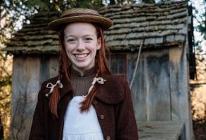 "Amybeth McNulty, ""Anne With an E"""