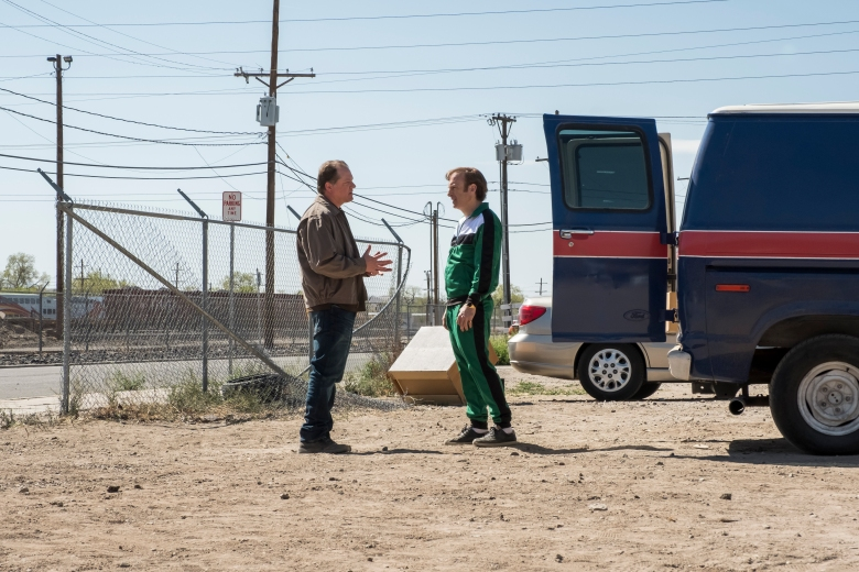 Colby French as Officer Platt, Bob Odenkirk as Jimmy McGill - Better Call Saul _ Season 4, Episode 7 - Photo Credit: Nicole Wilder/AMC/Sony Pictures Television
