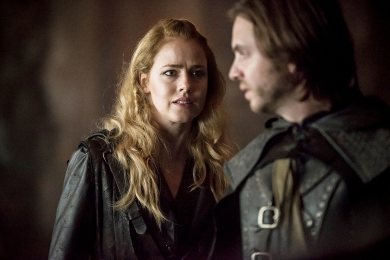 "12 MONKEYS -- ""Demons"" Episode 408 -- Pictured: Amanda Schull as Cassandra Railly -- (Photo by: Stanislav Honzik/Syfy)"