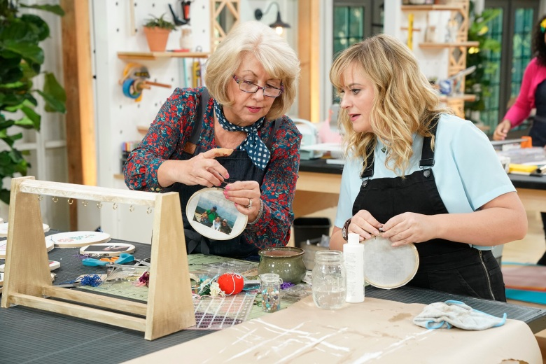 "MAKING IT -- ""You Crafty"" Episode 101 -- Pictured: (l-r) Jemma, Amy Poehler -- (Photo by: Paul Drinkwater/NBC)"