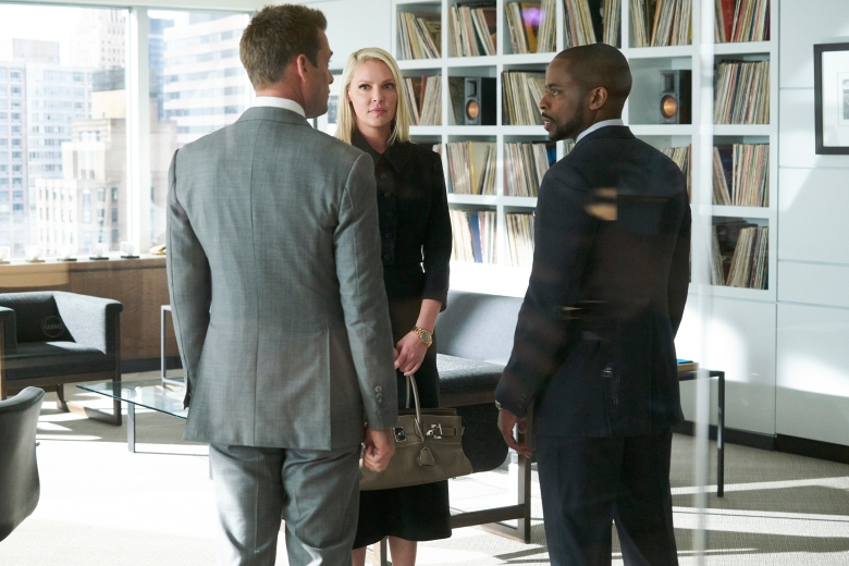 "SUITS -- ""Right-Hand Man"" Episode 801 -- Pictured: (l-r) Katherine Heigl as Samantha Wheeler, Dule Hill as Alex -- (Photo by: Ian Watson/USA Network)"