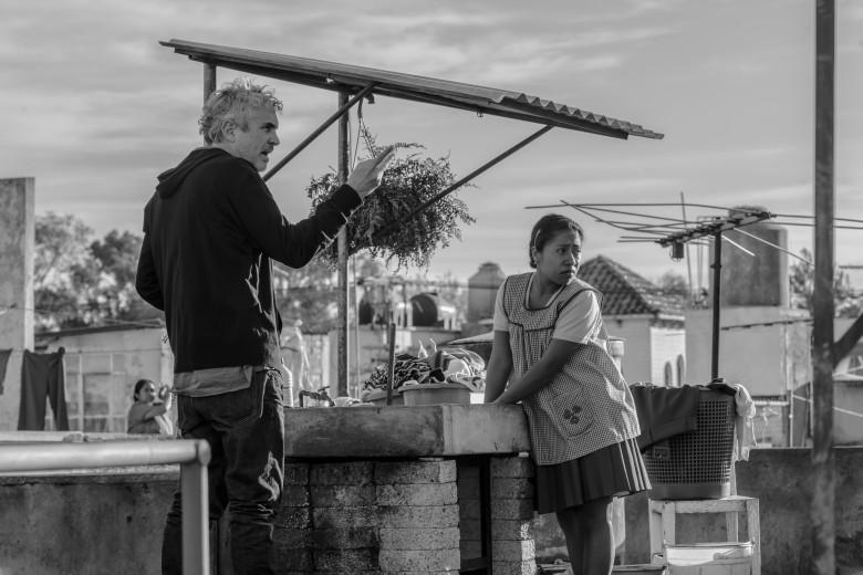 """Alfonso Curaon directs Talitza Aparicio in """"Roma"""""""
