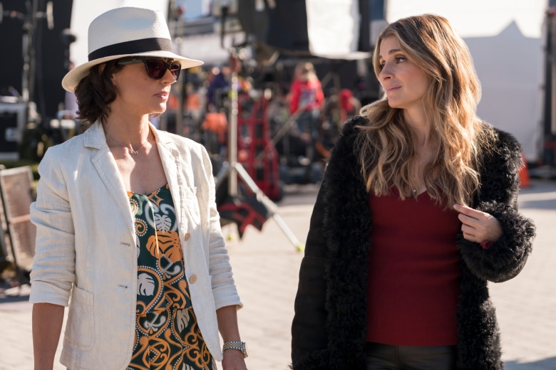 """UnREAL -- """"All In"""" - Episode 401 - Rachel and Quinn return to the set of Everlasting changed by the events of last season. In an effort to prove herself to be """"loveable"""" Rachel has molded herself into a suitress of sorts, determined to find a man. Quinn has spent the summer on a honeymoon cruise with Chet and has completely removed herself from planning the season. With old contestants, and a new format, this season is poised to be even more dramatic than ever. Quinn King (Constance Zimmer) and Rachel Goldberg (Shiri Appleby) shown. (Photo by: Bettina Strauss/Hulu)"""