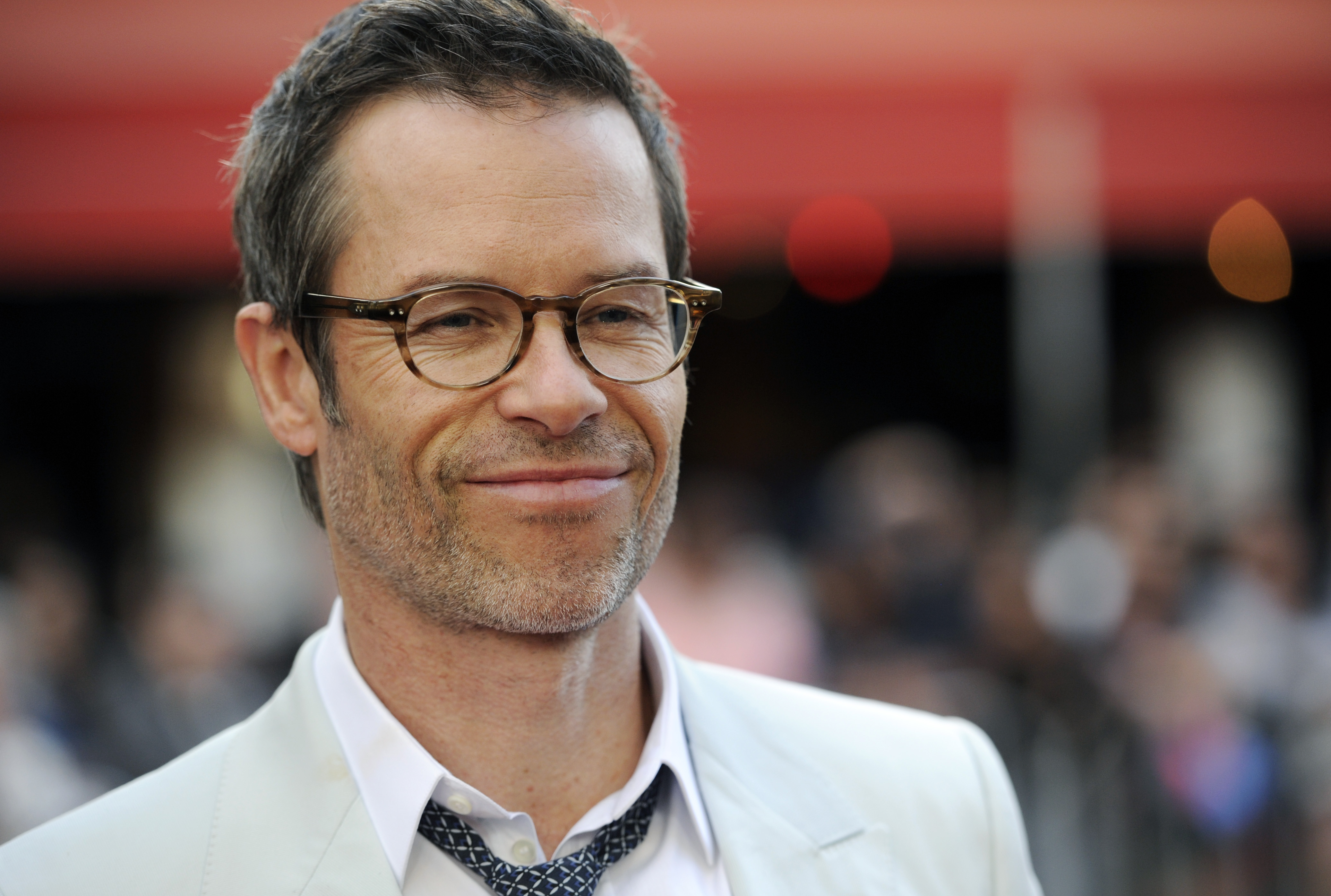 Guy Pearce on Kevin Spacey: 'He's a handsy guy'