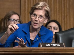 Elizabeth Warren Wrote About 'Game of Thrones' as a Parable for Political Outsiders