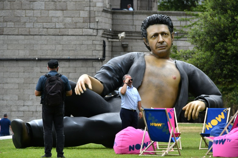 Jeff Goldblum statueNOW TV Jeff Goldblum statue photocall, London, UK - 18 Jul 2018Streaming service NOW TV unveil Jurassic-sized statue of Jeff Goldblum's semi naked torso to celebrate 25 years since Jurassic Park first premiered in the UK, at Potters Fields, London
