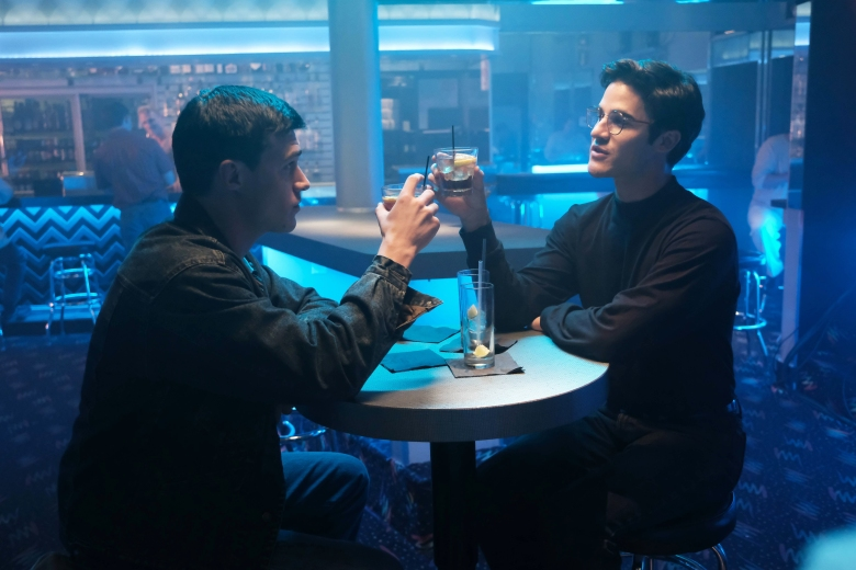 "THE ASSASSINATION OF GIANNI VERSACE: AMERICAN CRIME STORY ""Don't Ask Don't Tell"" Episode 5 (Airs Wednesday, February 14, 10:00 p.m. e/p) -- Pictured: (l-r) Finn Wittrock as Jeffrey Trail, Darren Criss as Andrew Cunanan. CR: Ray Mickshaw/FX"