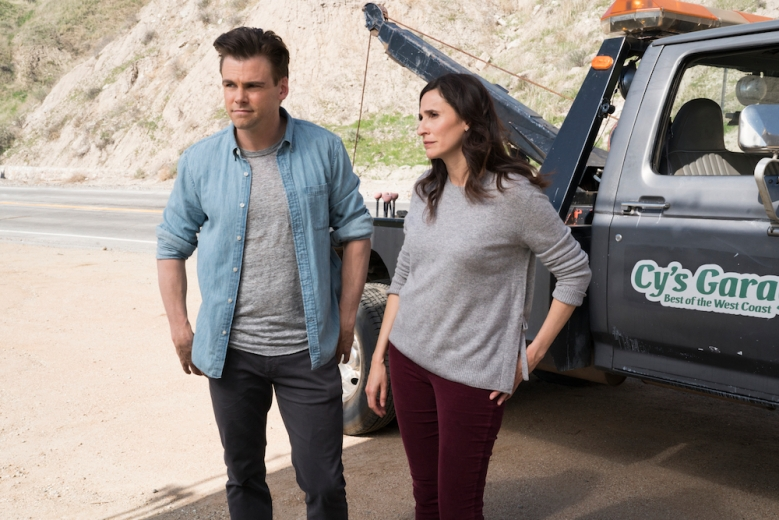 """CASUAL  -- """"Polytropos"""" - Episode 406 - Following a day of misguided decisions, Alex, Valerie, and Laura begin their overdue pilgrimage to Dawn's. But when their road trip takes an accidental turn, each faces an obstacle that tests their willpower in different ways. Alex Cole (Tommy Dewey) and Valerie Meyers (Michaela Watkins) shown. (Photo by: Greg Lewis/Hulu)"""